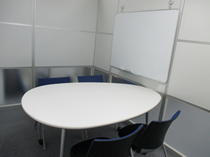 横浜就労移行支援事業所:面談室